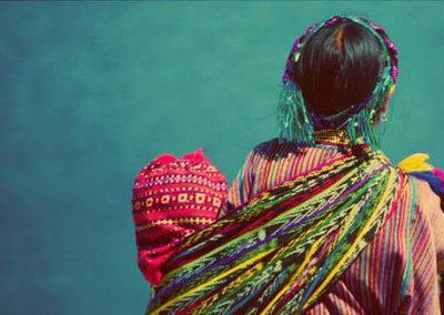 Rebozo traditionnel mexicain et ses mutliples fonctions